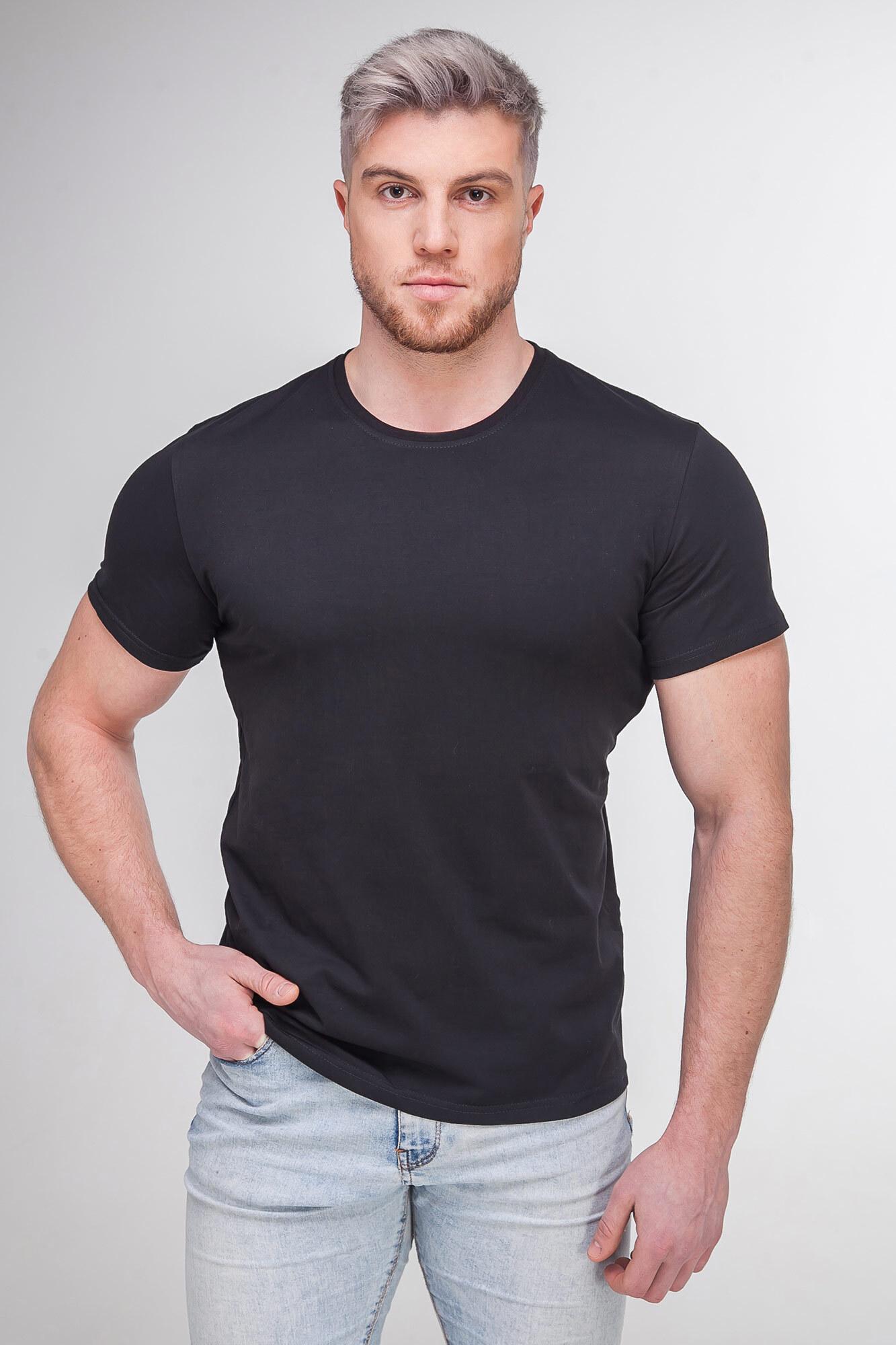 Однотонная базовая футболка черного цвета