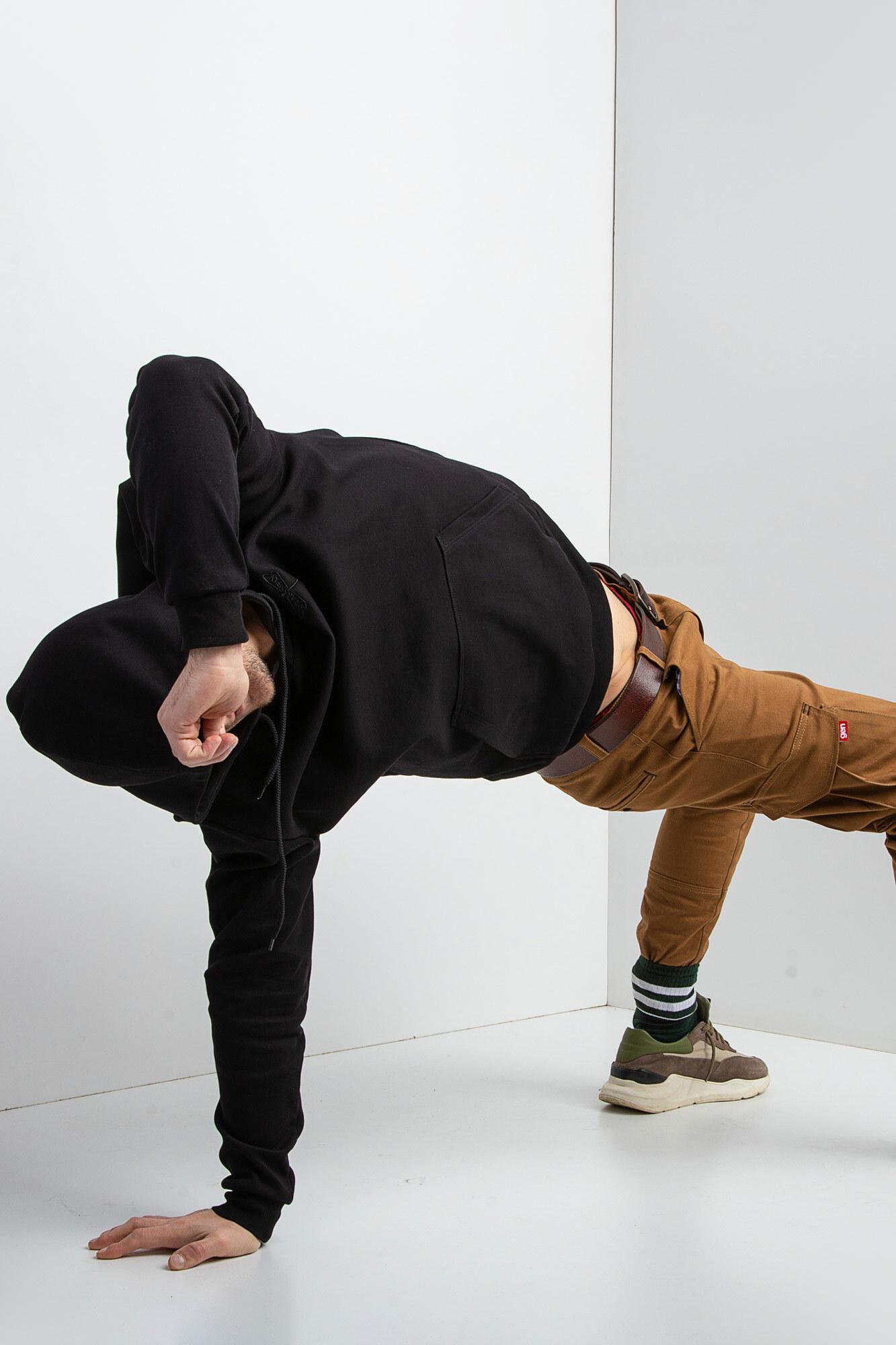 GEN Черная трикотажная толстовка с капюшоном и вышивкой на спине - Фото 7