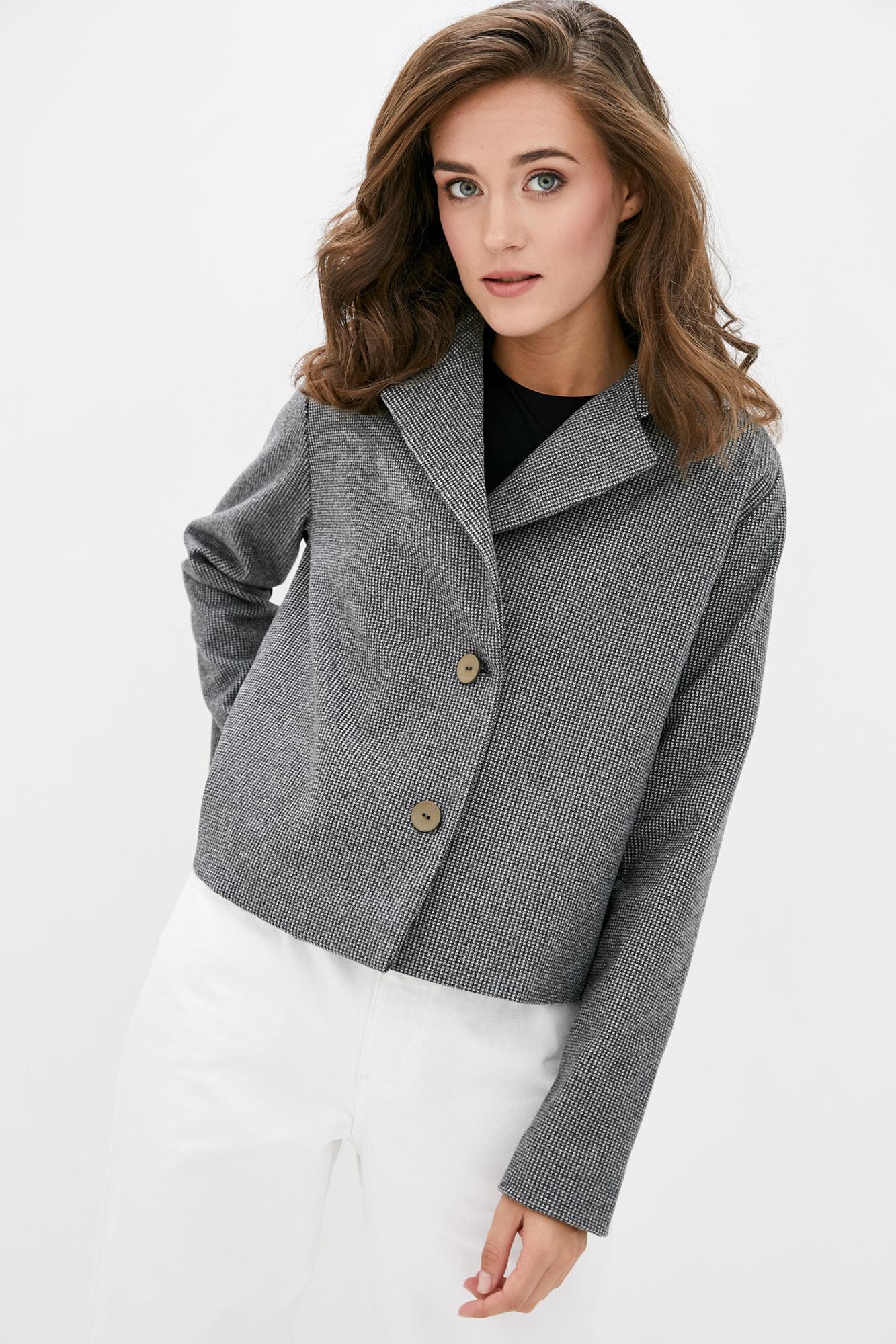 Короткий шерстяной пиджак на осень