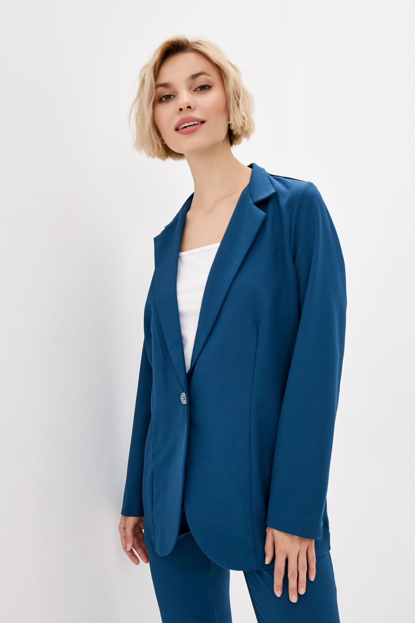Оверсайз пиджак бирюзового цвета в кэжуал стиле