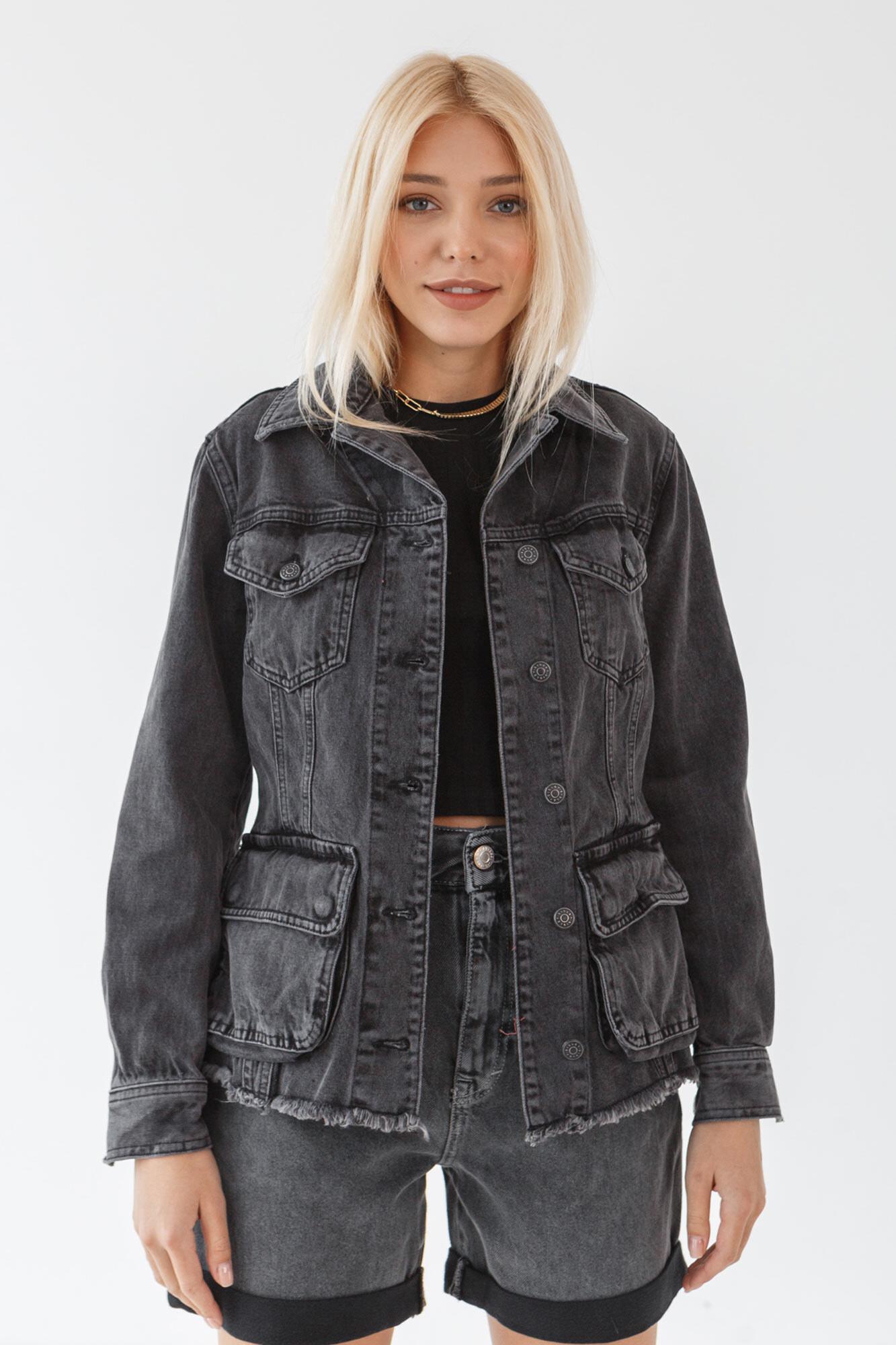Широкая джинсовая куртка сафари с большими карманами