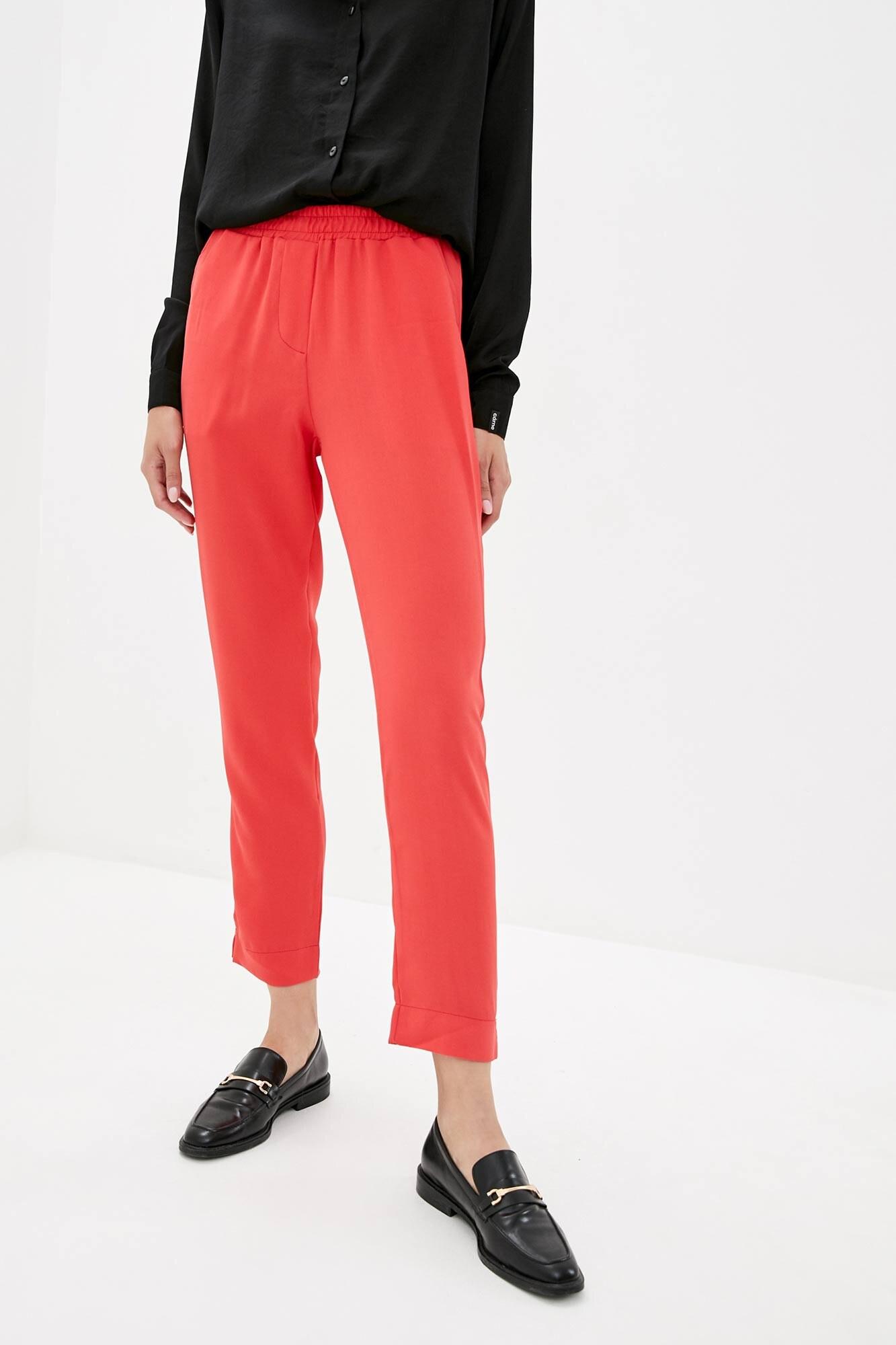 Красные прямые брюки высокой посадки из костюмки