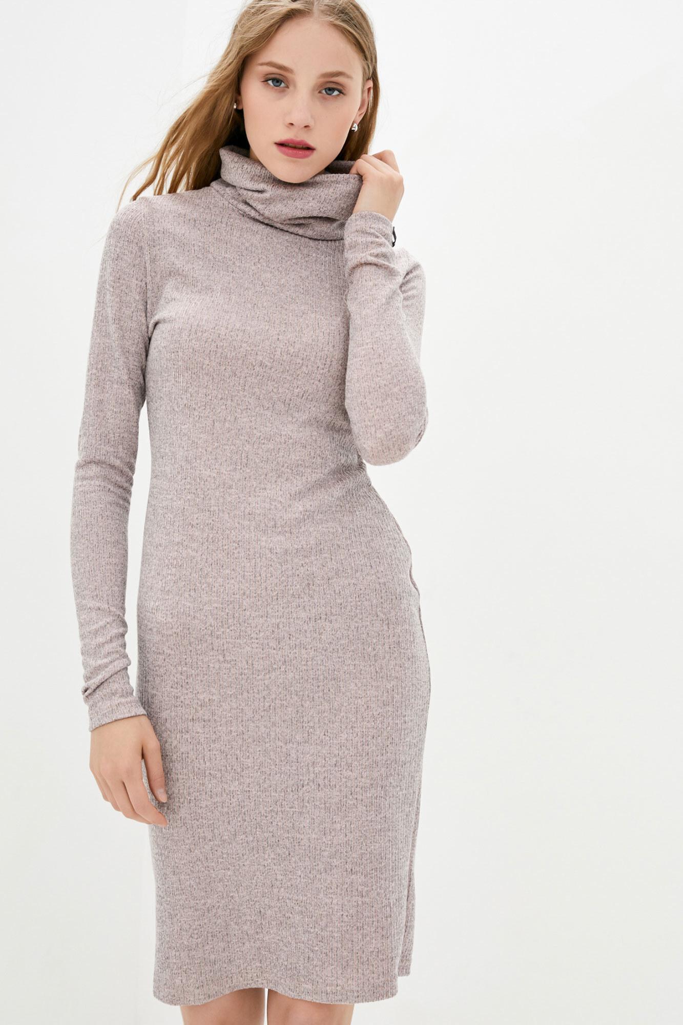 Трикотажное платье гольф розового цвета