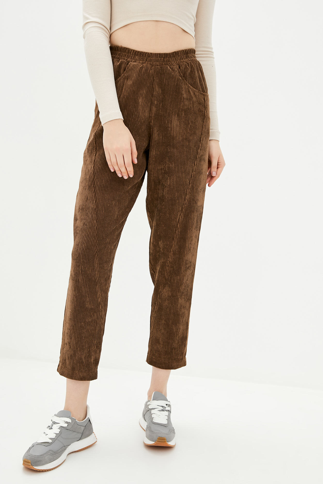 Короткие коричневые вельветовые штаны с завышенной талией GEN