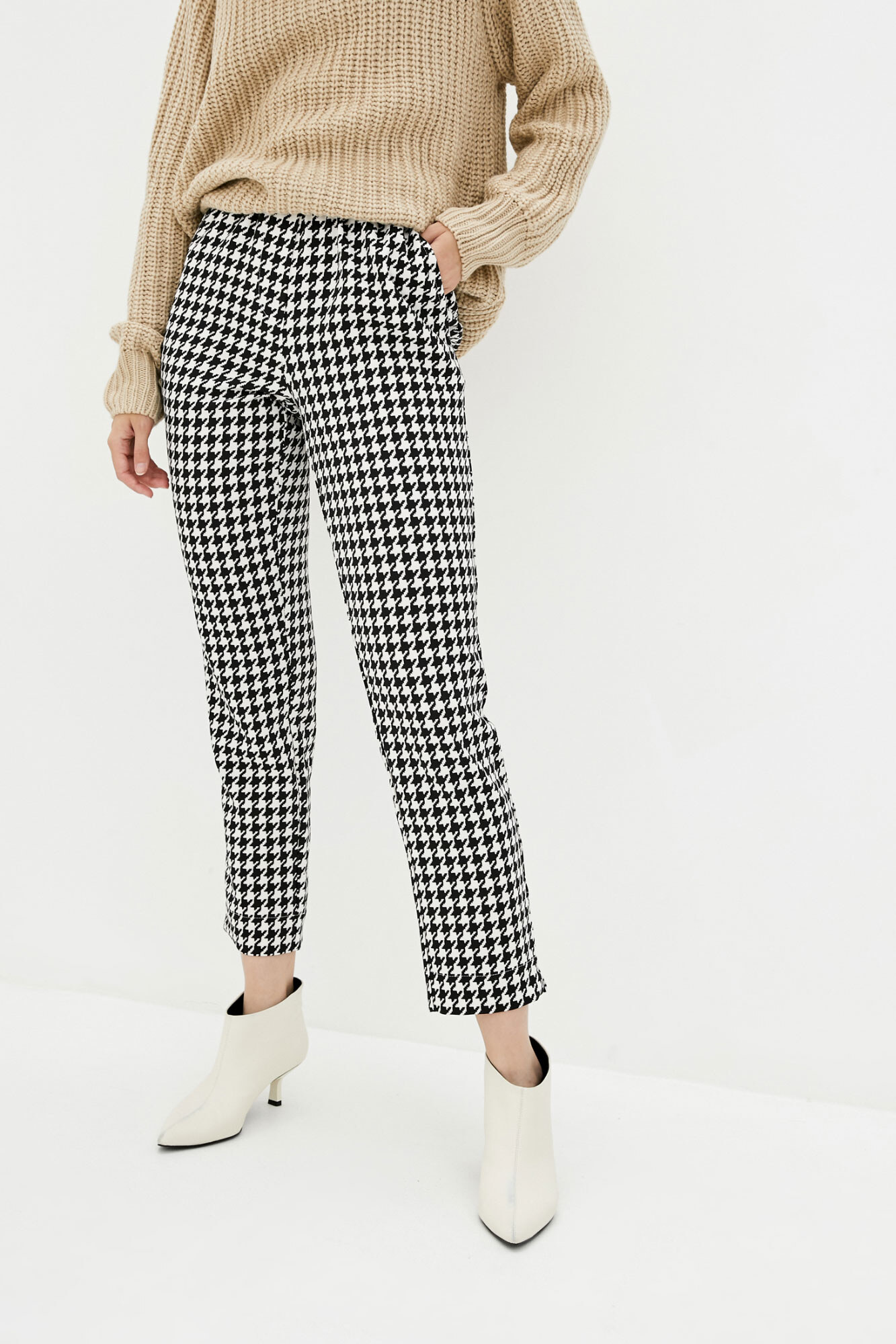 Короткие клетчатые брюки в стиле кэжуал