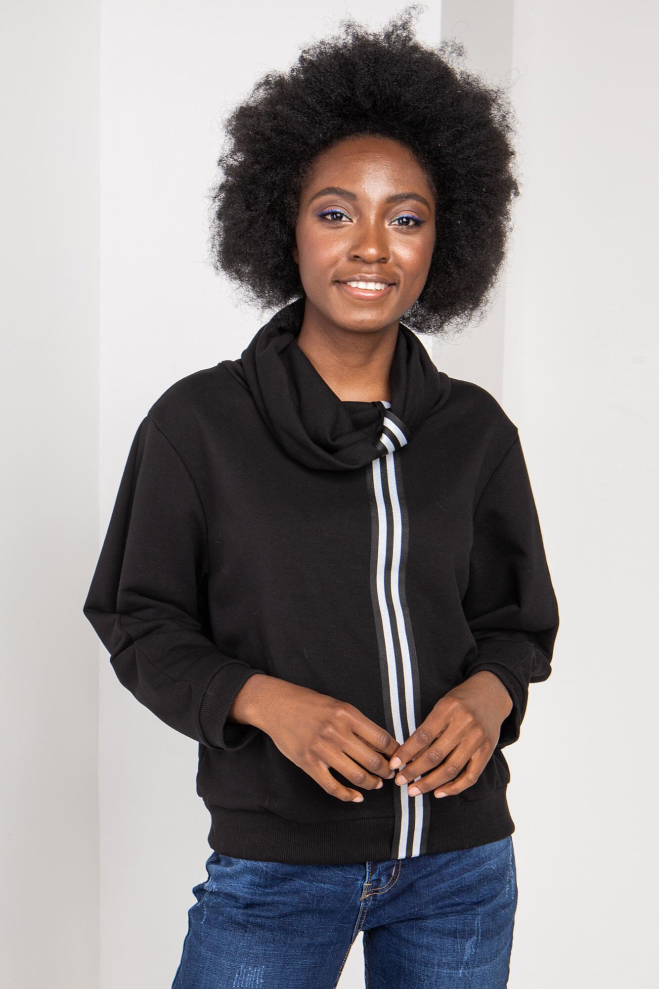 Трикотажный свитер TANELI черного цвета с высоким воротником хомут
