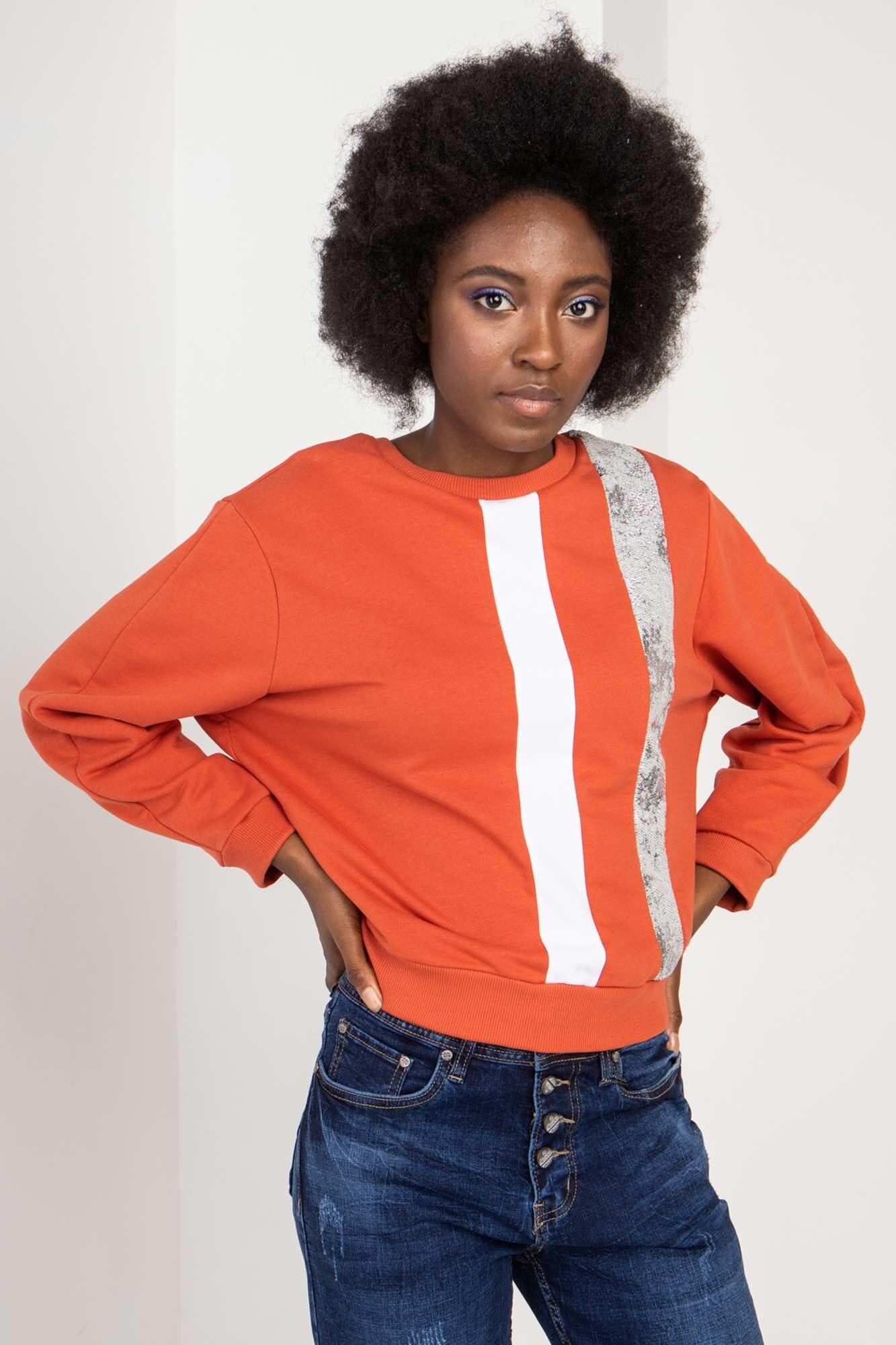 Трикотажный свитер оранжевый с рефлективом