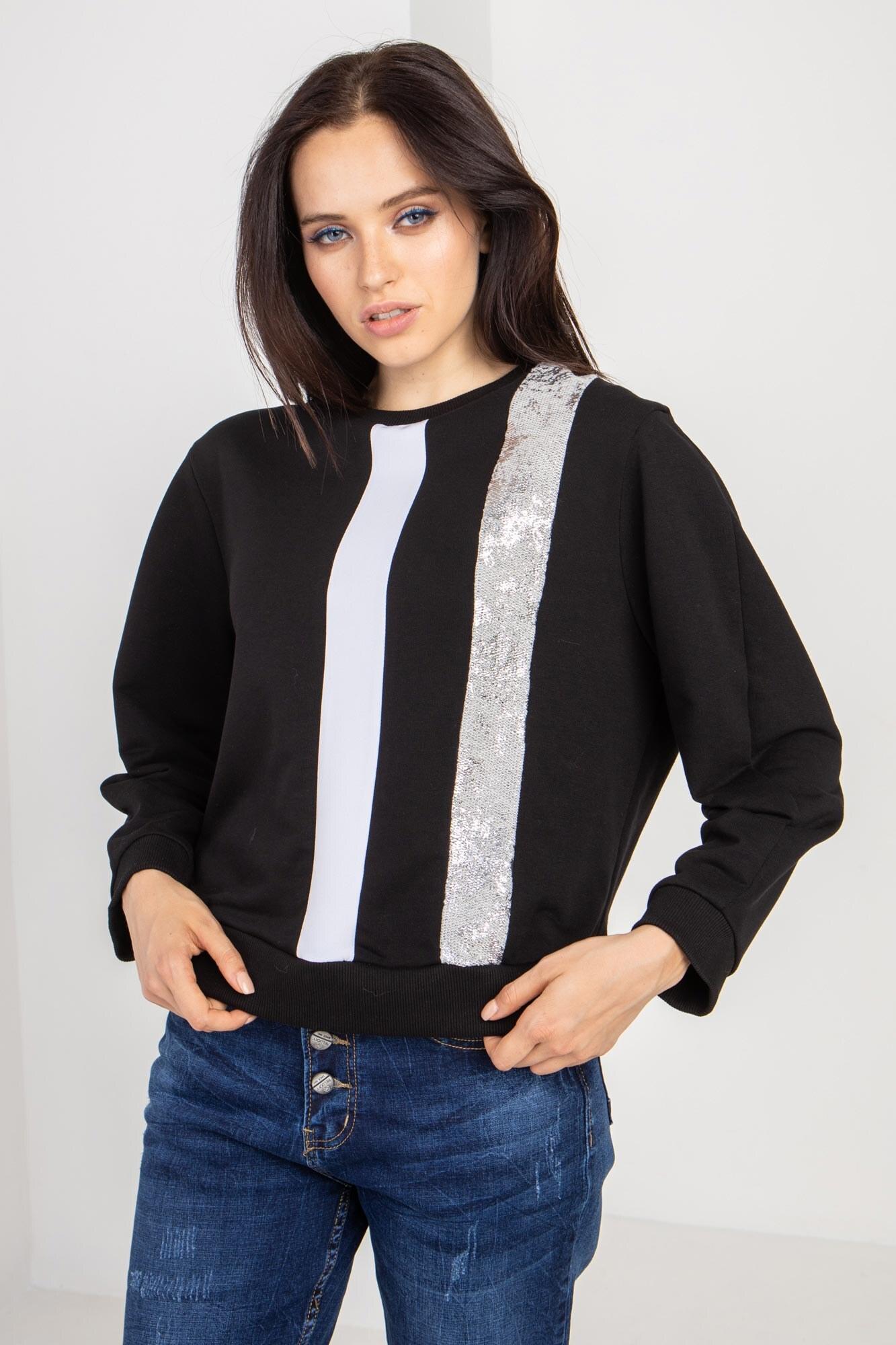 Трикотажный свитер черный с рефлективом