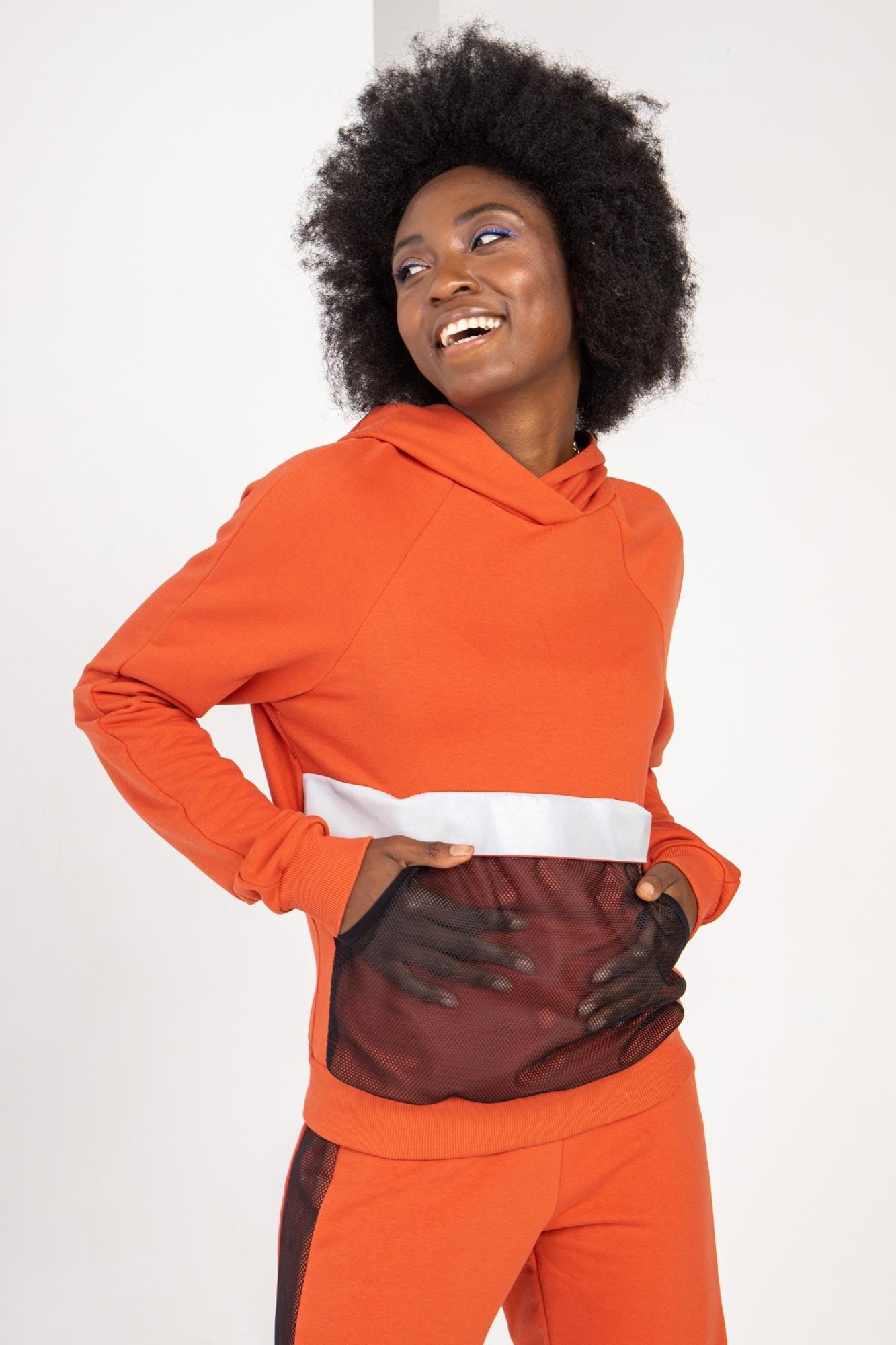 Трикотажный спортивный пусер EDINA оранжевого цвета с рефлективом