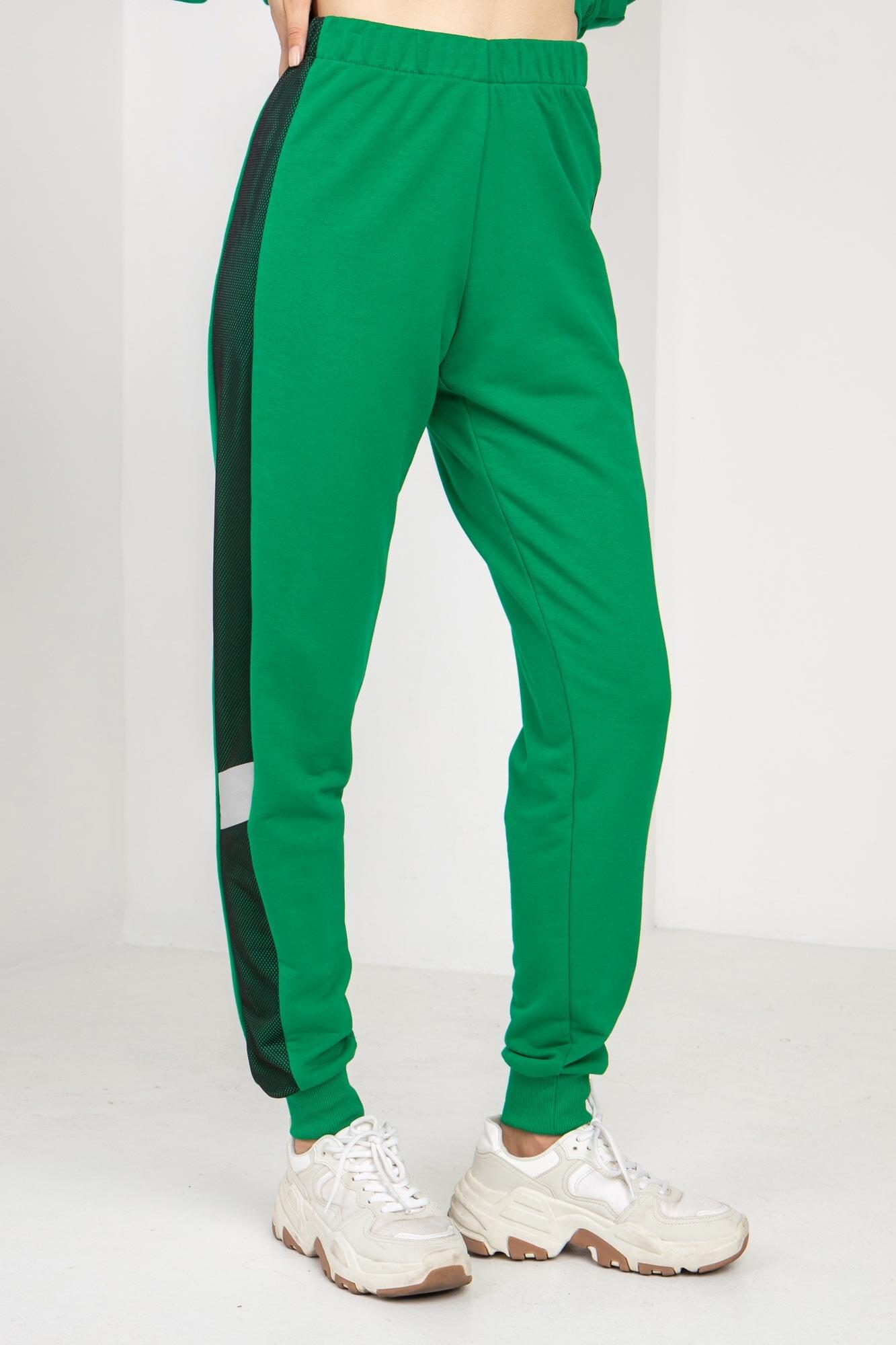 Трикотажные спортивные штаны LATE зеленые с рефлективом